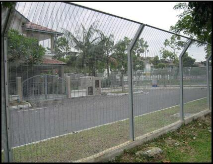 Attention to the Surface Treatment of Highway Anti Climb Fence
