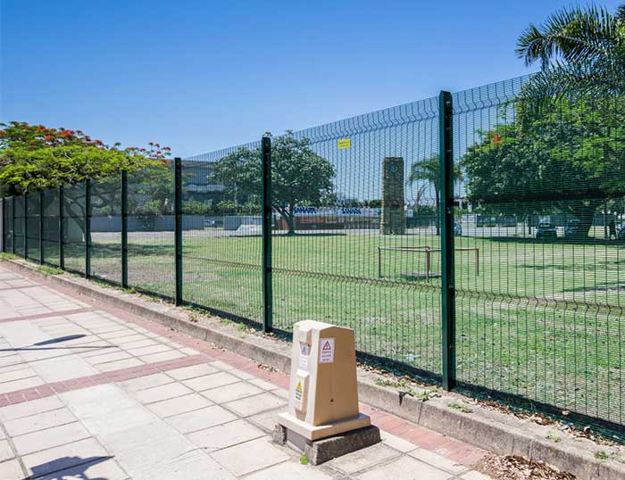 Do you know how to identify the quality of anti climb fence?