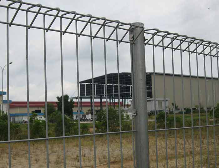 Wire Mesh Fence - Why Get Galvanized Following Wire Mesh