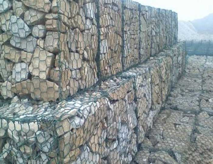 What are the characteristics of gabion box?