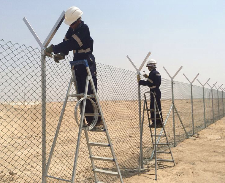 Do you know the quality and safety measures for installing wire mesh fences?