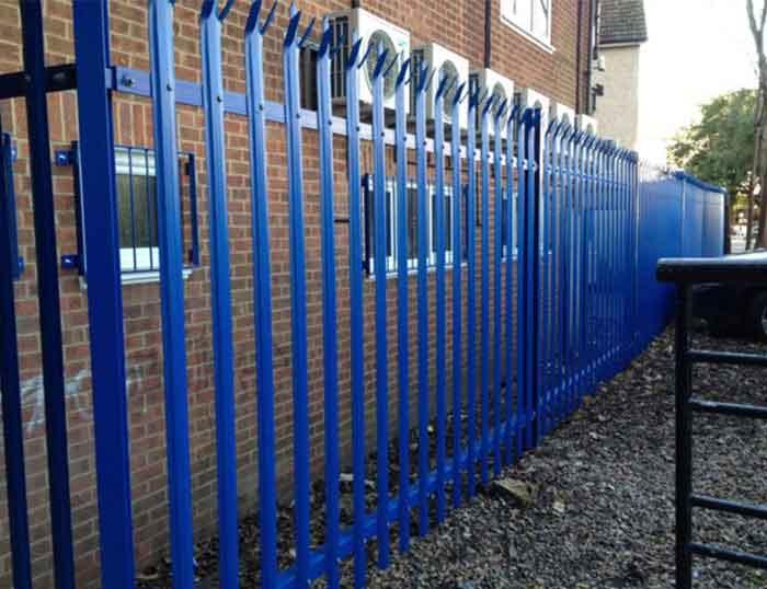 About Kindergarten wire mesh fence installation options