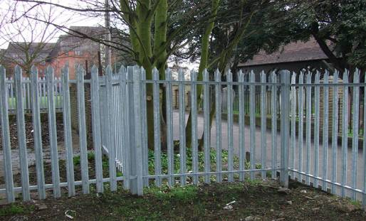 Tips for Maintaining Wooden Fencing