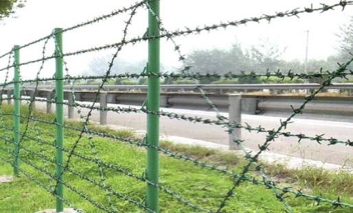 What Are The Advantages Of Barbed Wire Fences?