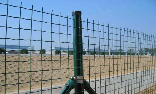 What are the Advantages of Barbed Wire Fence?